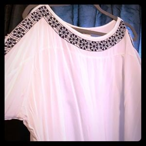 Navy and white blouse size 1X – holes in sleeves